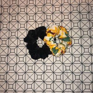American Apparel scrunchie set